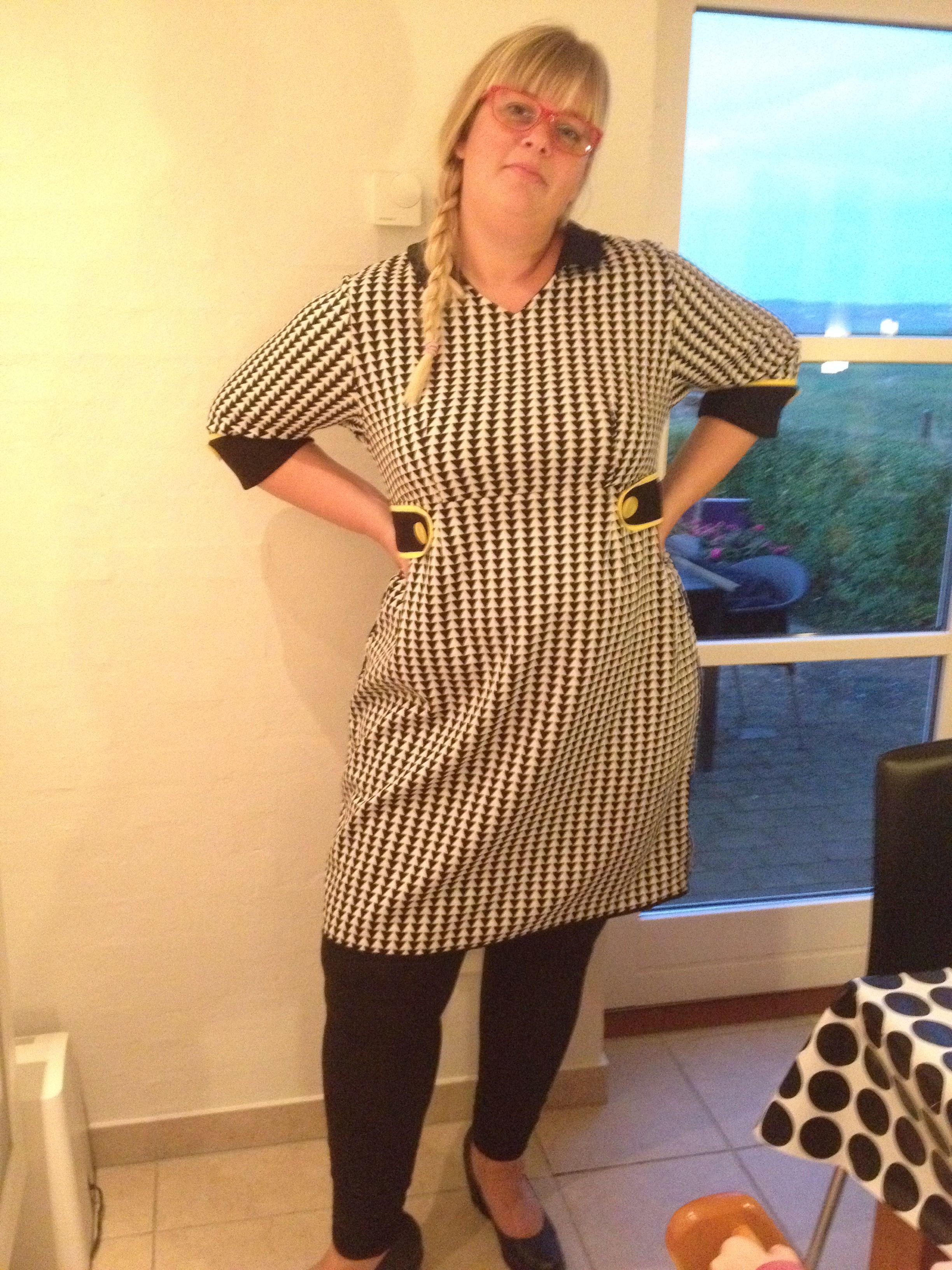 Få syet de smarteste kjoler. Sidder perfekt også på plys piger! Tjek hjemmesiden www.bythorvig.dk