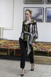 Роксолана Богуцька пропонує приталені вишиванки (фото)  d4122461a5525