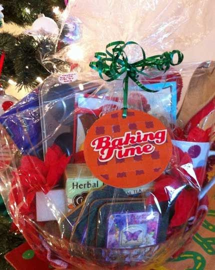 homemade christmas ts for family baking time click pic diy baskets also rh pinterest