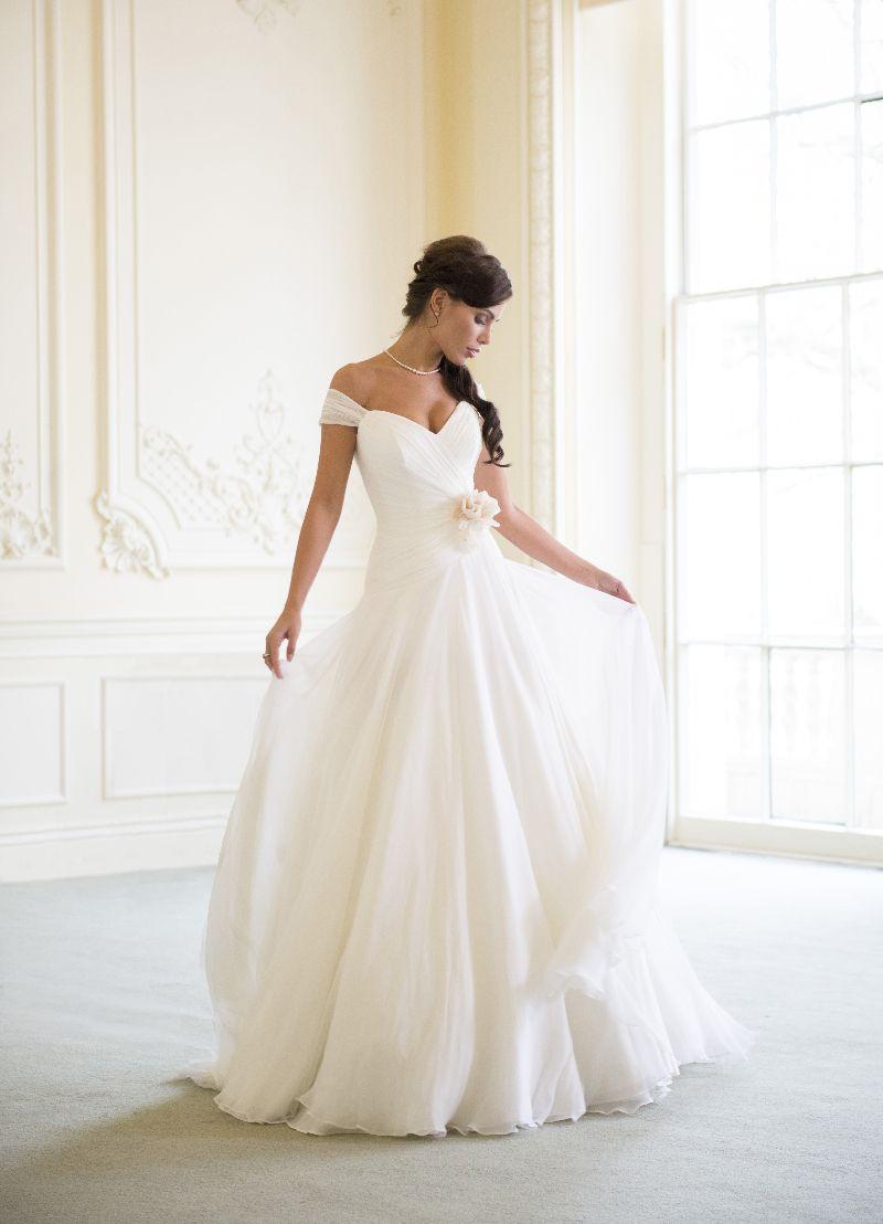 Naomi Neoh | Wedding dress, Wedding and Weddings