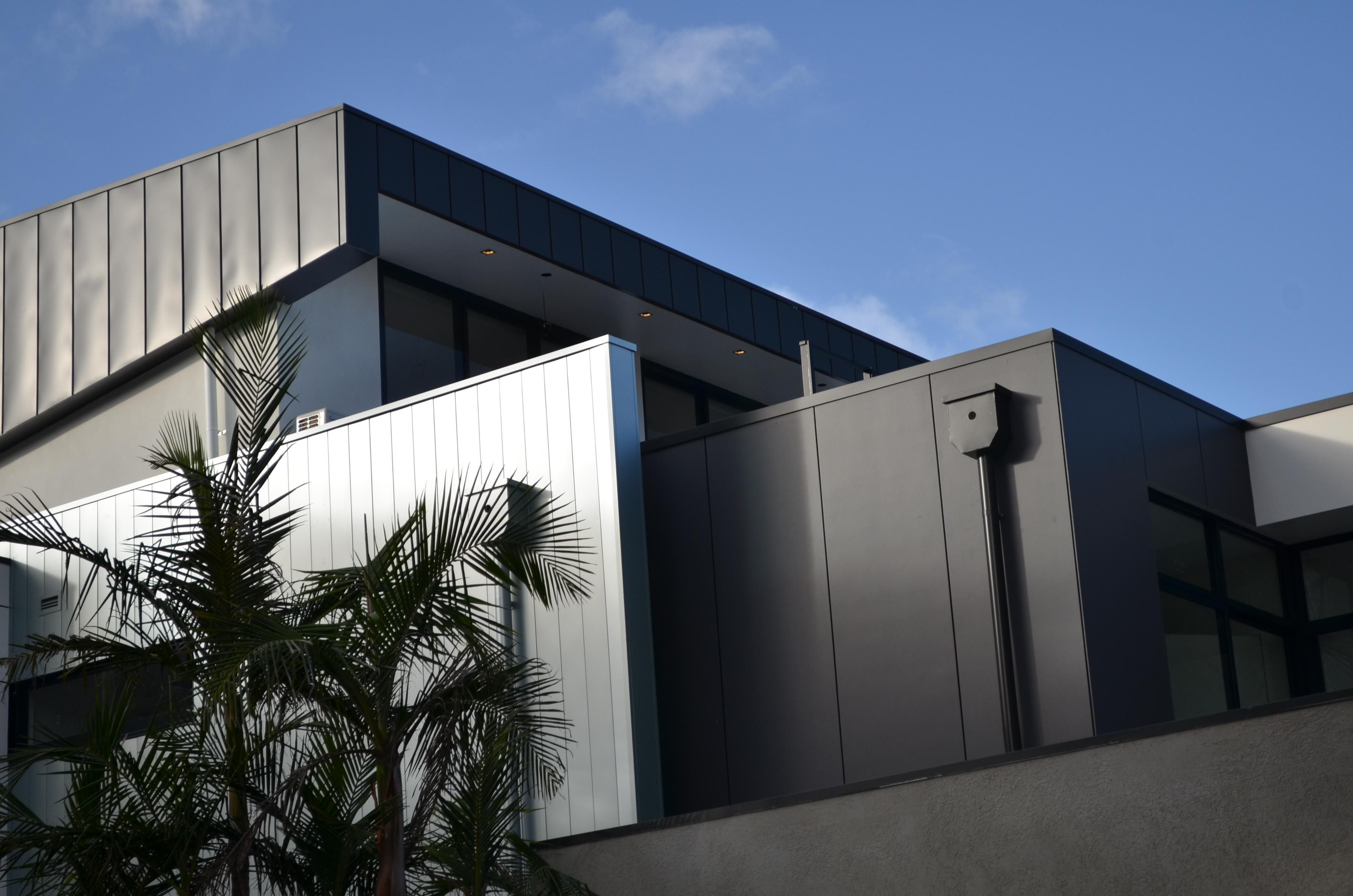 Interlocking panel colorbond design cladding house for Colorbond home designs