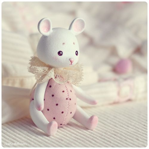 Polka-dot mouse by *Katy-Doll