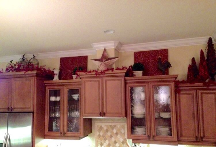 Above Cabinet Xmas Decorating Home Decor Home Above Kitchen Cabinets