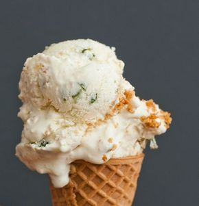 Jalapeno Cheesecake Ice Cream — Meats and Sweets #cheesecakeicecream