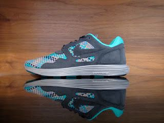 in stock a5d38 a57fe Nike Lunar Flow Woven QS. Anthracite, Black, Bamboo. 526636-007 ...