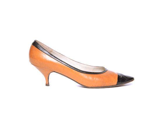 92d8a73a0826a Kitten Heel Pumps 60s Heels Pointed Toe Black Tan Color Block 1960s ...
