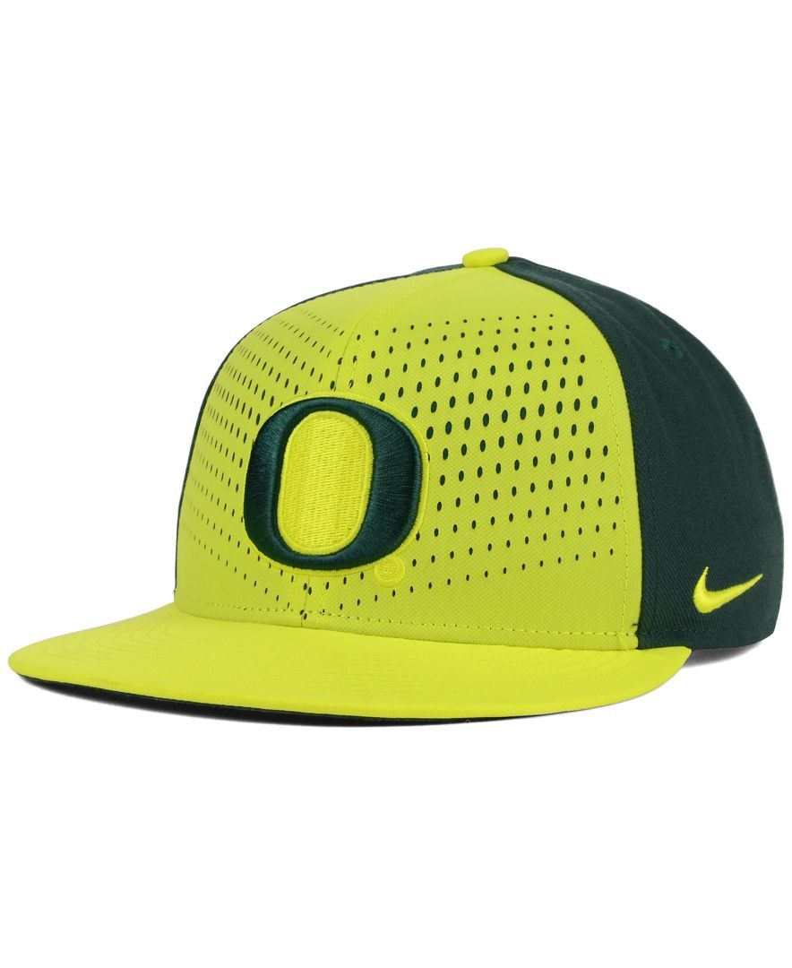Nike Oregon Ducks True Seasonal Snapback Cap  4fd86e6ae38