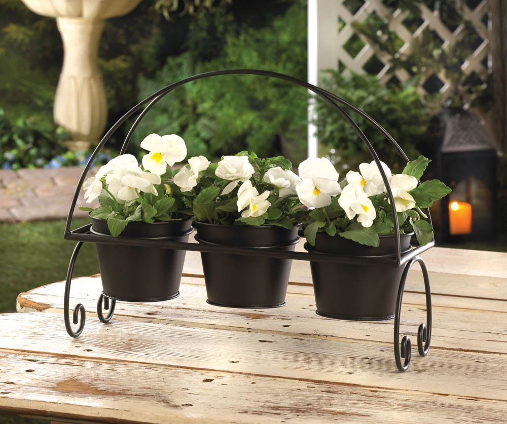 Crittercreekranch 39 s booth 3 black metal flower pots and plant stand jardin pinterest - Flower pot stands metal ...