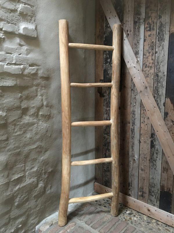 Oud houten ladder laddertje trap trapje rek rekje  www