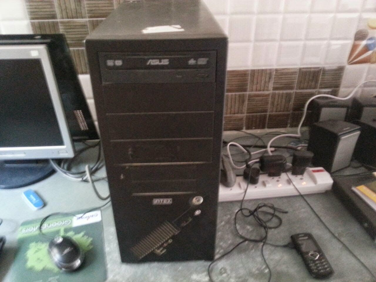 Hey Friends Keep It Up Lotus Computer: USED INTEL CELERON (r) PC ONLY @ 4,500/-