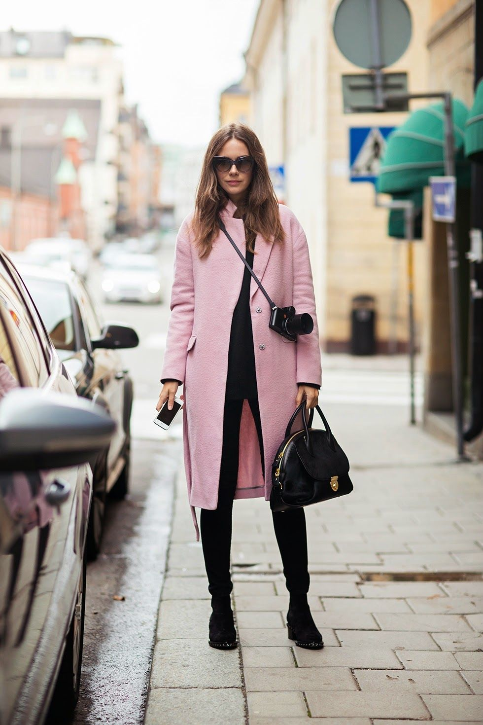 25 Beautiful Pink Outfits For Fall And Winter Be Modish Stylish Fall Outfits Pink Coat Outfit Winter Long Pink Coat [ 1470 x 980 Pixel ]