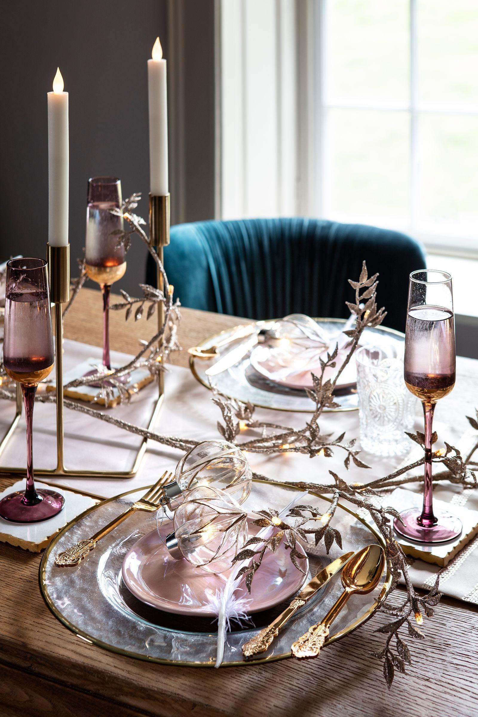 Christmas Inspiration 7 Gorgeous Table Setting Ideas Rose Gold Christmas Table Rose Gold Table Setting Gold Table Setting