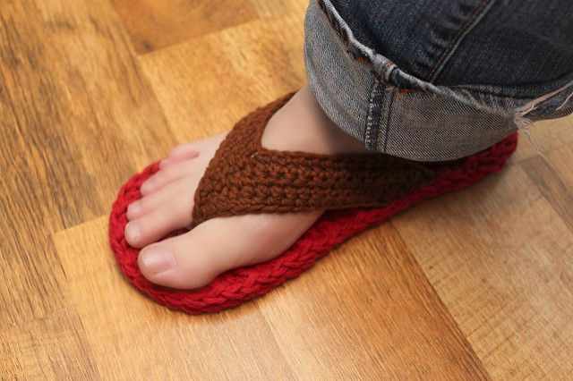 Ravelry: Flip Flops (sizes child/adult 3-10) pattern by Mamachee