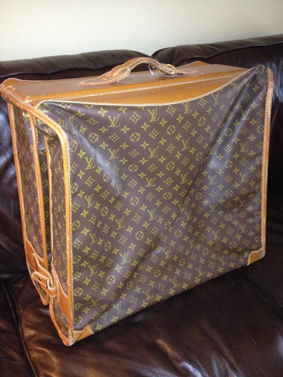 Pin By Boo On Vintage Suitcase S Vintage Louis Vuitton Louis Vuitton Louis Vuitton Bag Neverfull