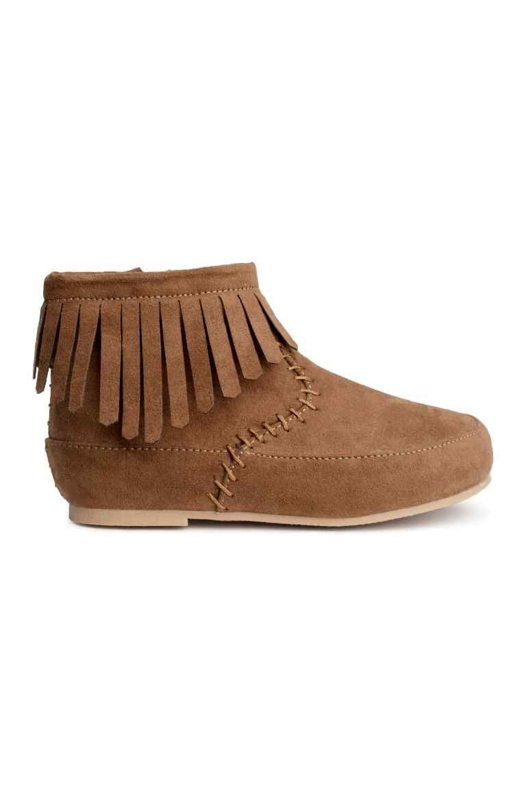 db073ca351 Botas con flecos | H&M | Botas | Botas con flecos, Zapatos para ...