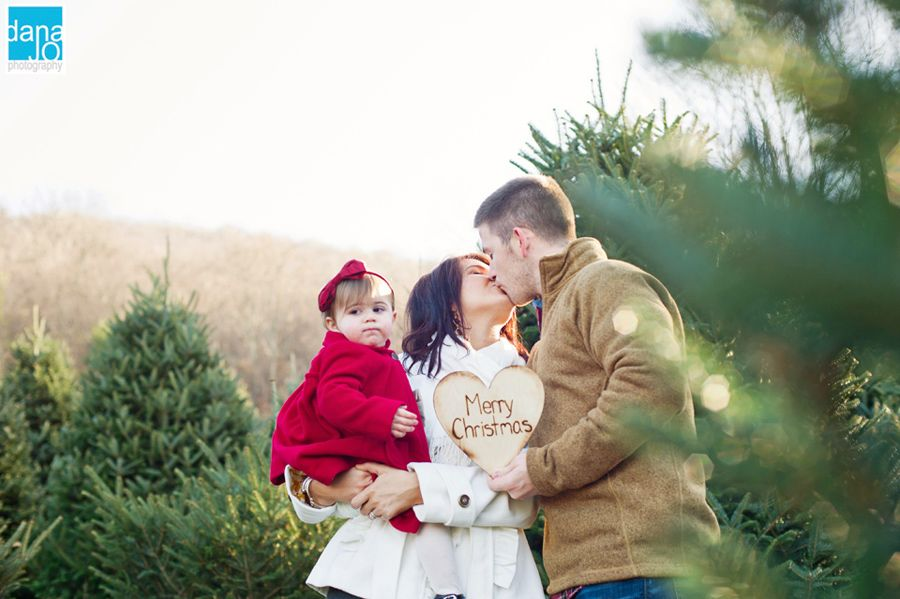 Christmas Tree Farm Family Photos.D A N A J O P H O T O S C O M Family Photos At A