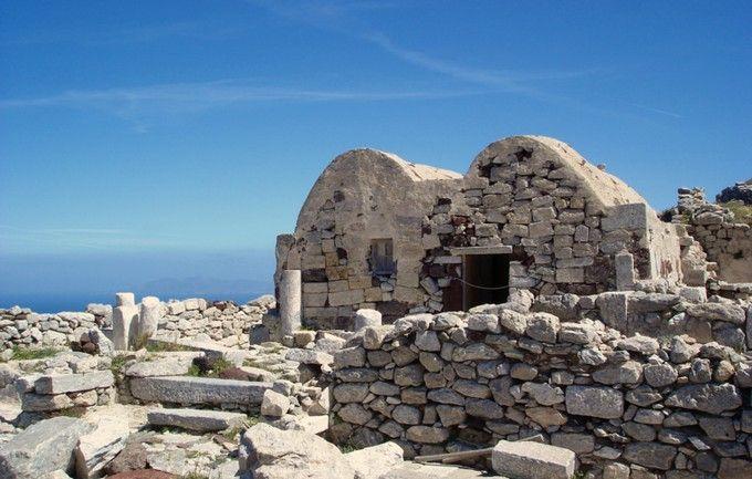 Visit Ancient Thera And Akrotiri In Santorini Visiting Santorini