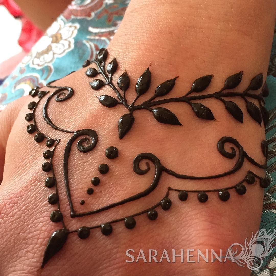 Simple Henna Tattoo On Hand: Henna Designs