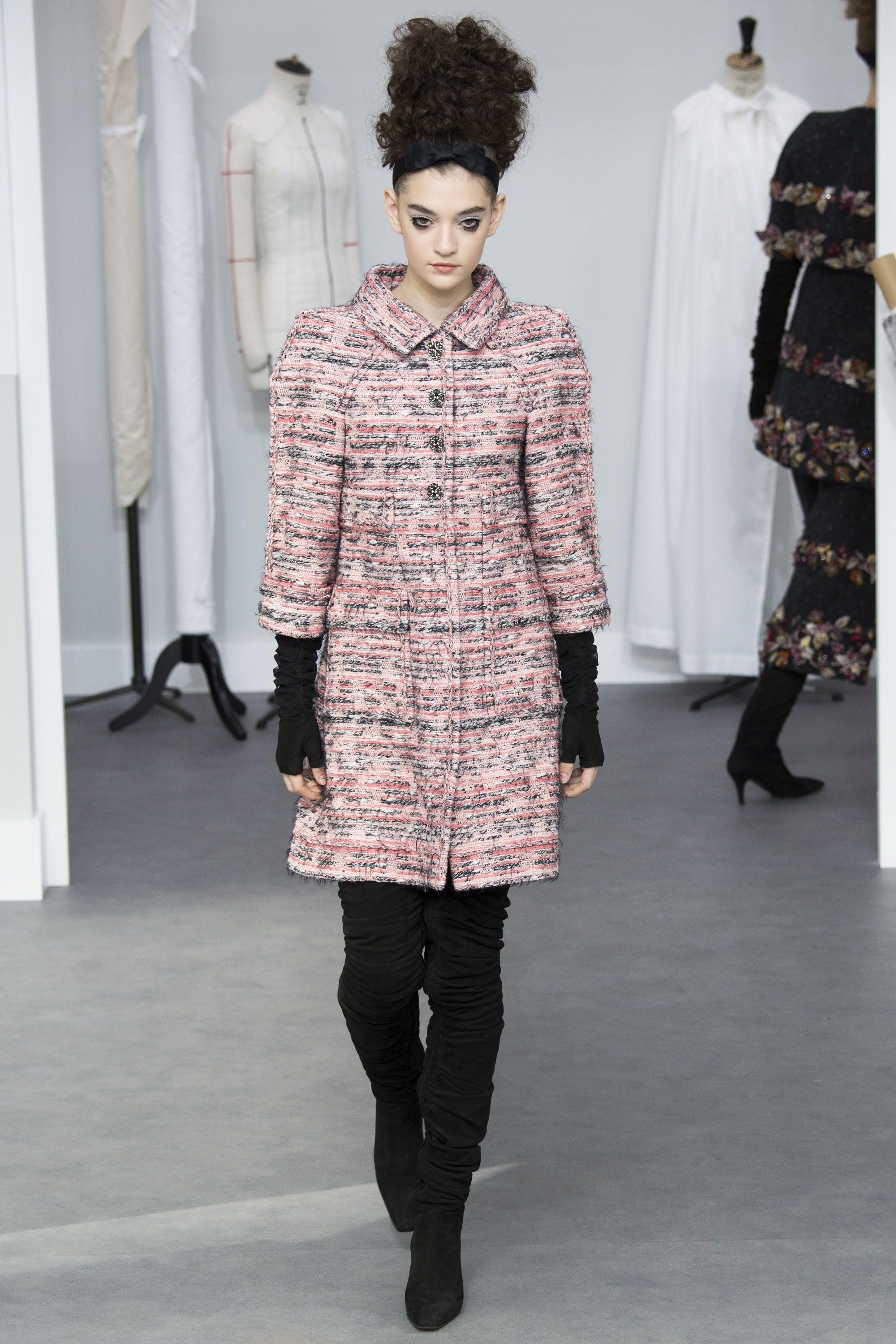 Chanel Fall 2016 Couture Fashion Show