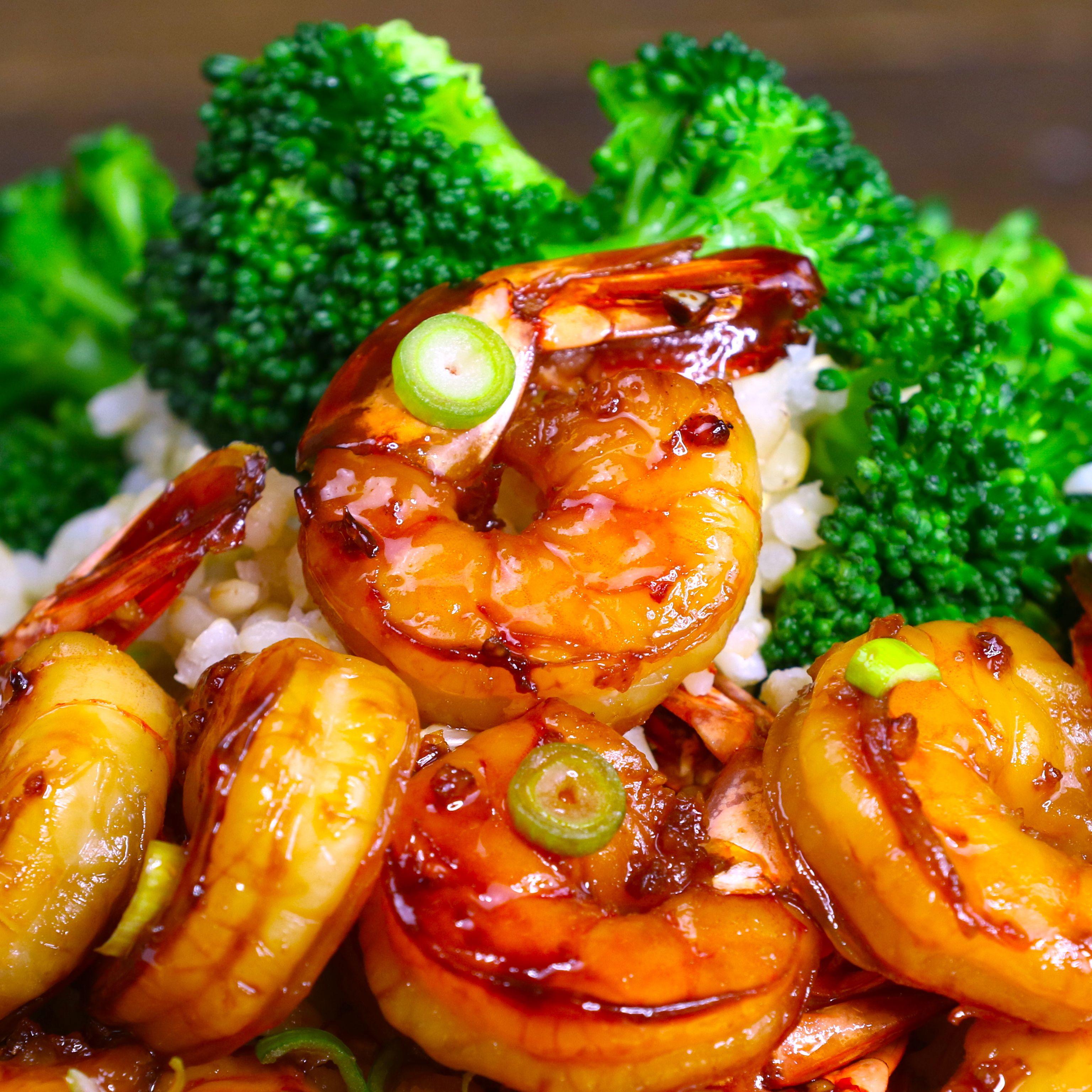 Honey Garlic Shrimp {Easy 15 Minute Recipe} - TipB