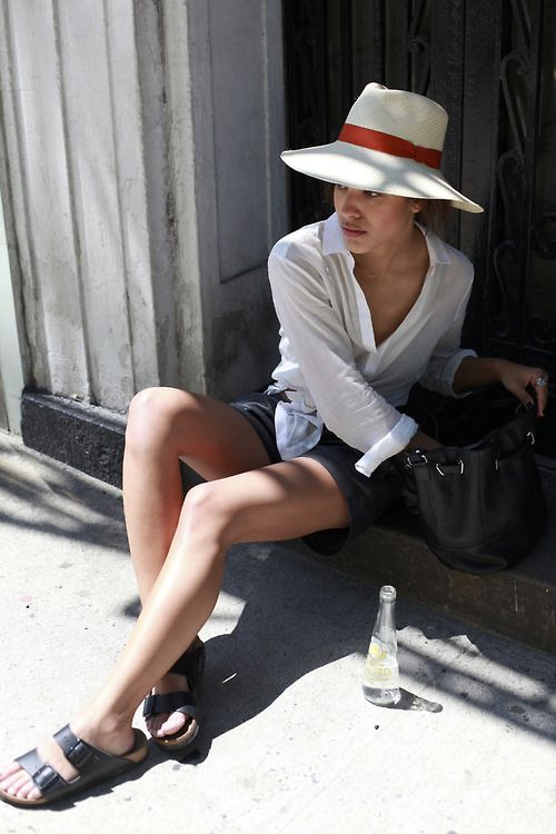What I'd Wear: The Outfit Database  (source: Trop Rouge )