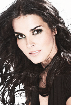 People whose existence troubles my existence: Angie Harmon.