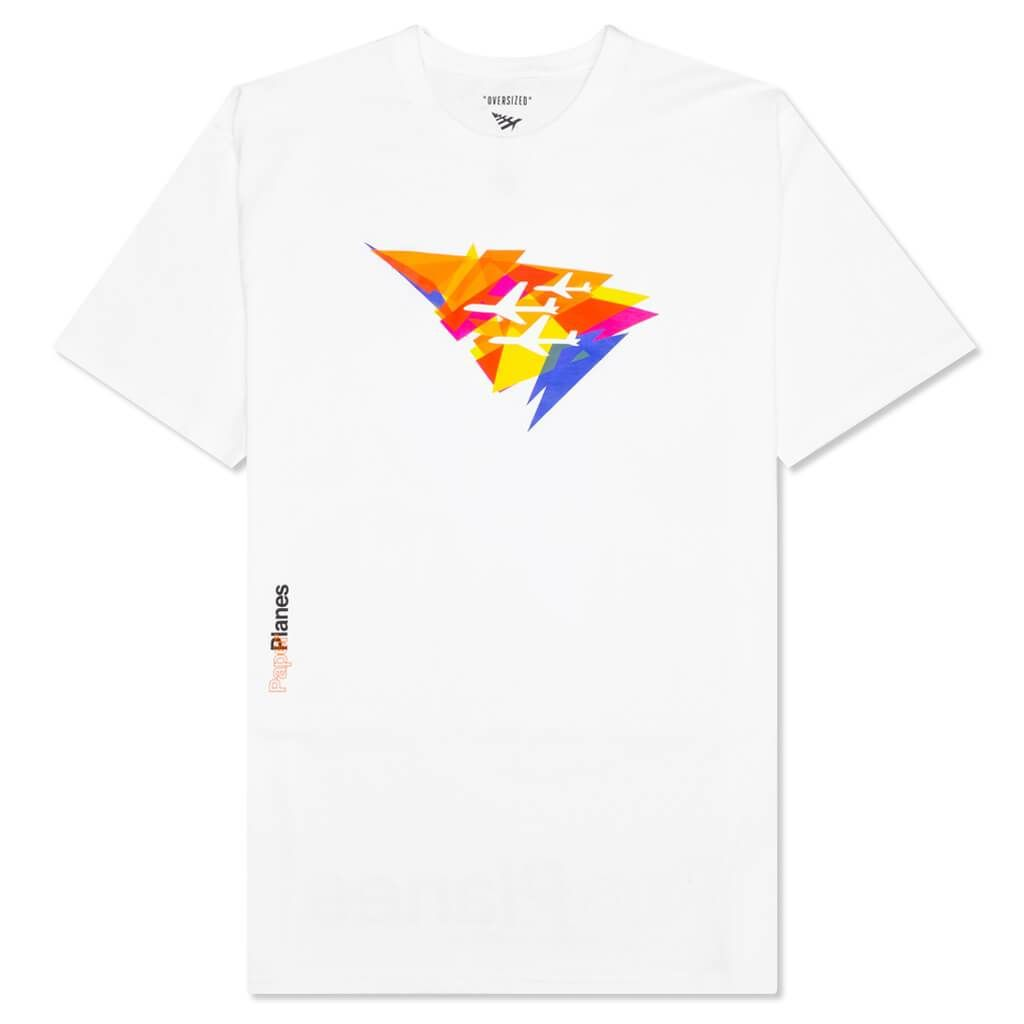In 2008, Paper Planes was designed by Emory Jones of the powerhouse Roc Nation label. The brand aims to unify fashion and music with its tasteful and clean designs. Their signature paper plane logo represents the mental journey of reaching a destination before physically arriving. Pictured is the Paper Planes Angles Oversized Tee in White. Oversized fit Printed graphics Rounded collar Style no: 100928