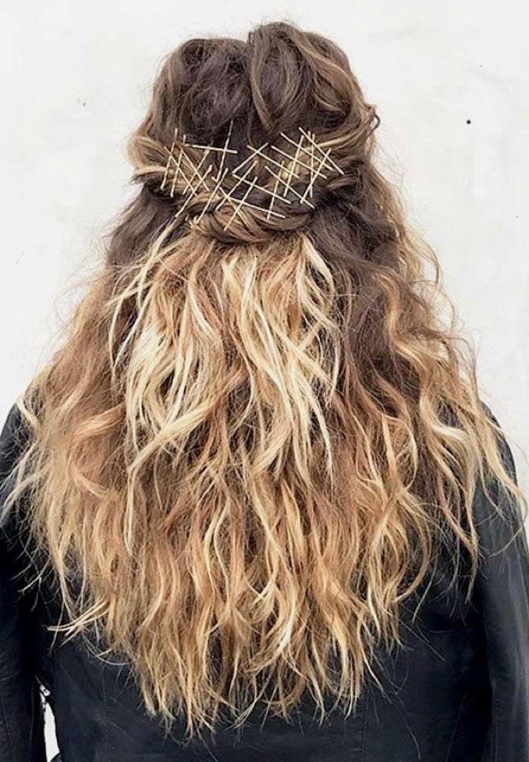 Beachy hair waves work wonderfully with bobby pin art long hairstyles #bobbypinart #bobbypins # ...