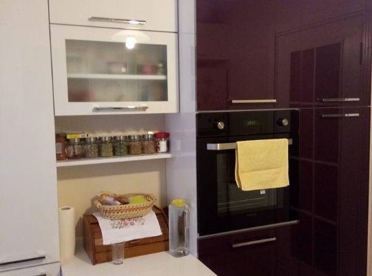 Akrilik Kapaklı Mürdüm Beyaz Mutfak Dekorasyonu Mutfak - alte k chenfronten erneuern