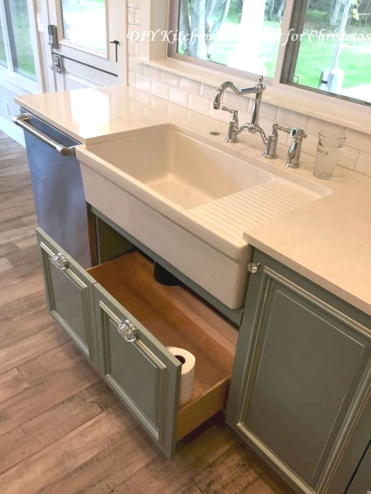 16 Awesome Ideas for Kitchen Makeovers: 1. DIY Countertop Makeover