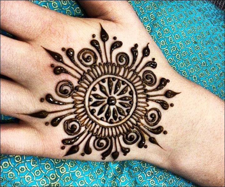 Mehndi Bunch On Arm : Best circle mehndi designs collection