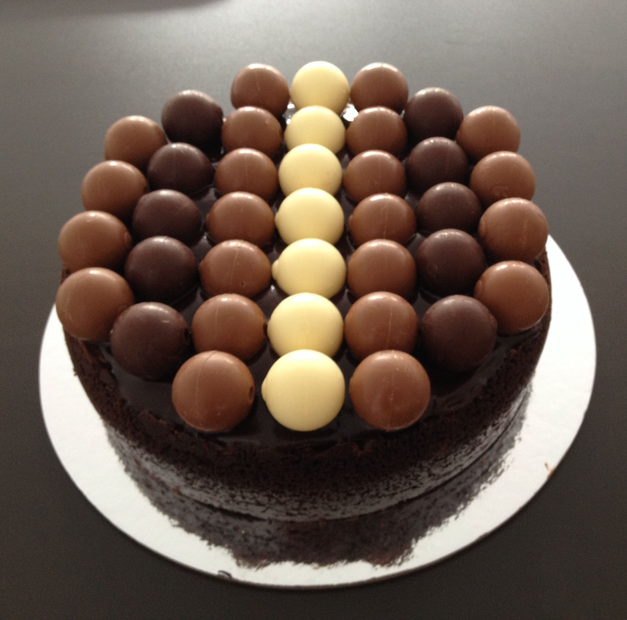 Lindt Chocolate Cheesecake - Chocolate Ganache, topped with ...