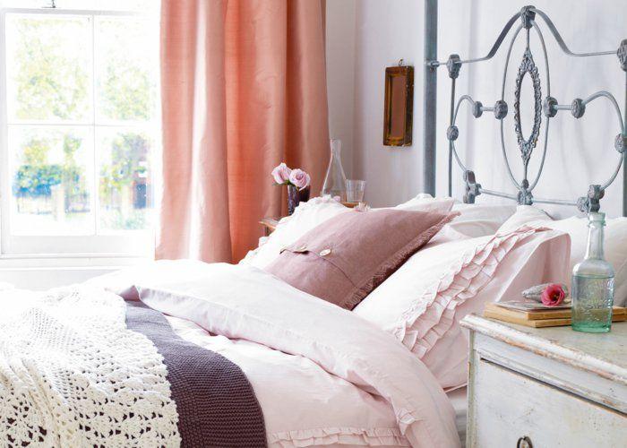 Einrichtungsideen Schlafzimmer Romantischer Look Frische Gardinen Schöne  Bettwäsche