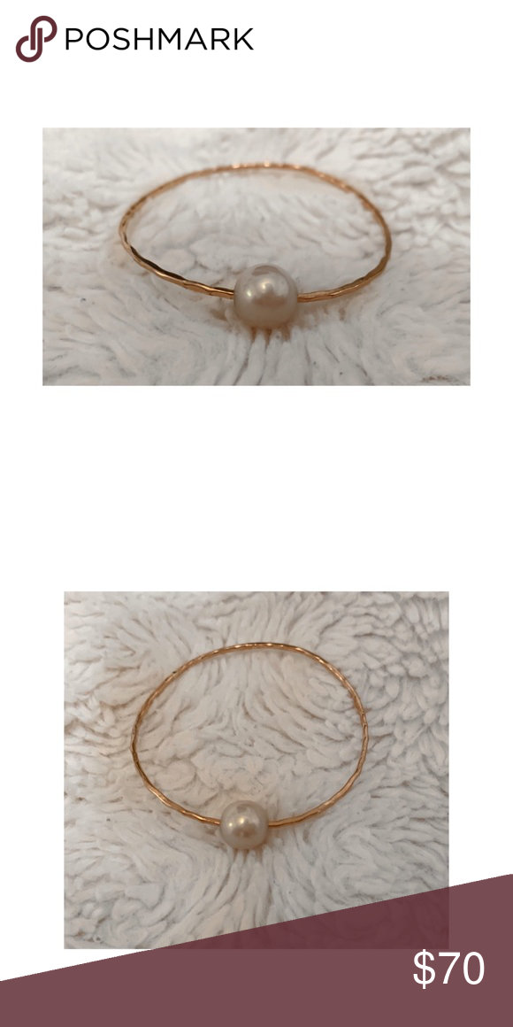 MISHA HAWAII Rose gold pale pink pearl hammered bangle Rose gold filled Purchased on Oahu, Honolulu Authentic  Light pink pearl  Bangle size: 7 1/4   •••••••••••••••••••••••••••••••••••••••••••••••••••••••• NO TRADES, NO LOWBALLERS🚫 POSHMARK APP ONLY OFFERS ARE NOT ACCEPTED IN COMMENT SECTION ALL SALES FINAL.  DETAILED PHOTOS PROVIDED FOR PRODUCT EXAMINATION  SMOKE FREE HOME🚭 MishaHawaii Jewelry Bracelets