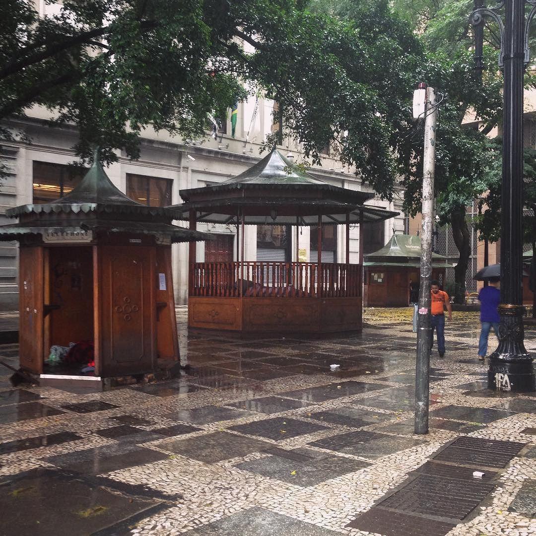 Me senti numa viagem no tempo neste lugar. Como eu amo São Paulo  #desafioprimeira {24-aberto} #instasqd #blogsdaliga #largodocafe #saopaulo #sp #ilovesp #amosaopaulo #terradagaroa #tbt