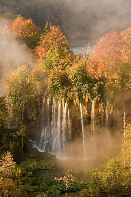 Autumn colours in Plitvice Lakes National Park, Croatia