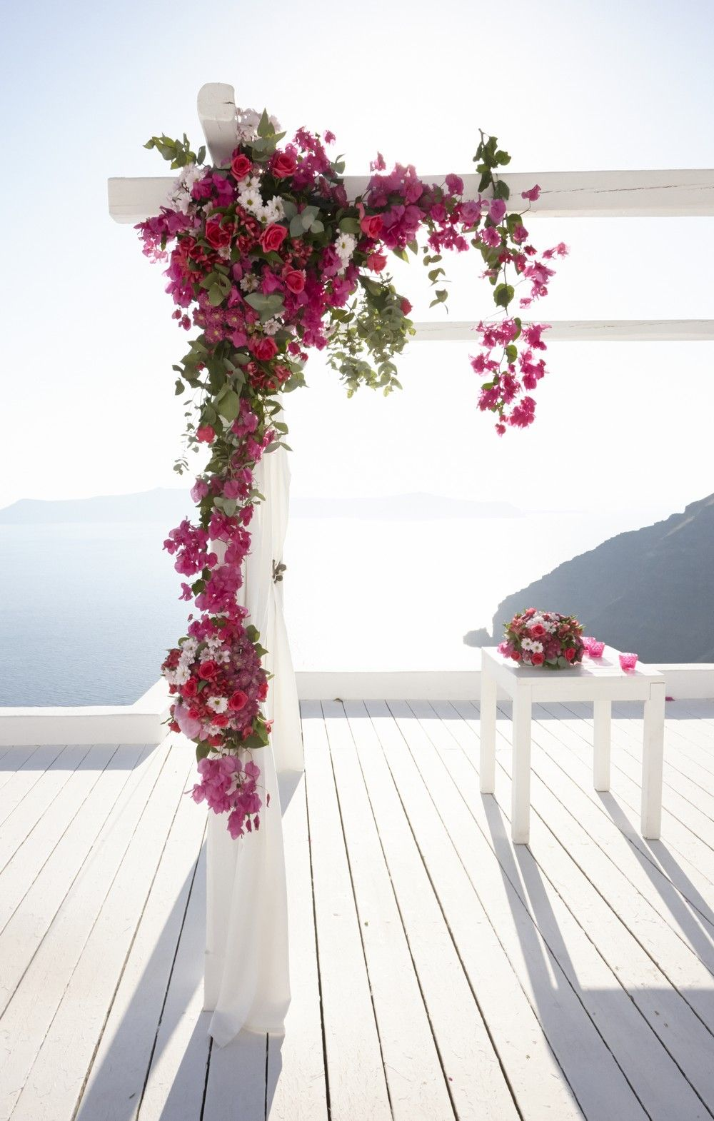 Another pretty one with bougainvillea and some hanging down elements ...