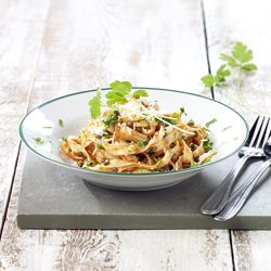 Tagliatelle met linzen en tomatensalsa - Colruyt Culinair