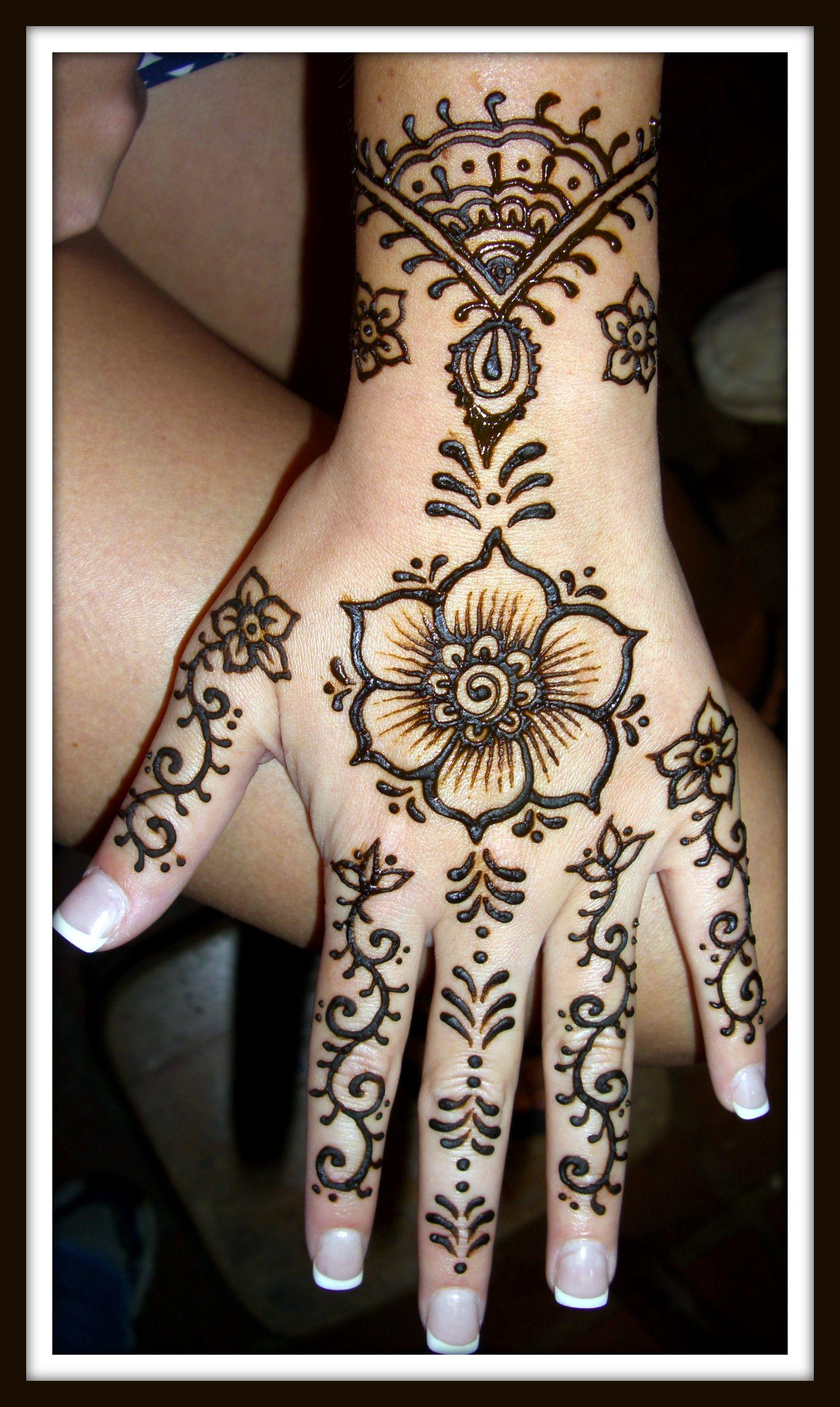 Henna Tattoo Designs For Love: Pin By Ronda On Piercing, Tattoo's, Mehndi