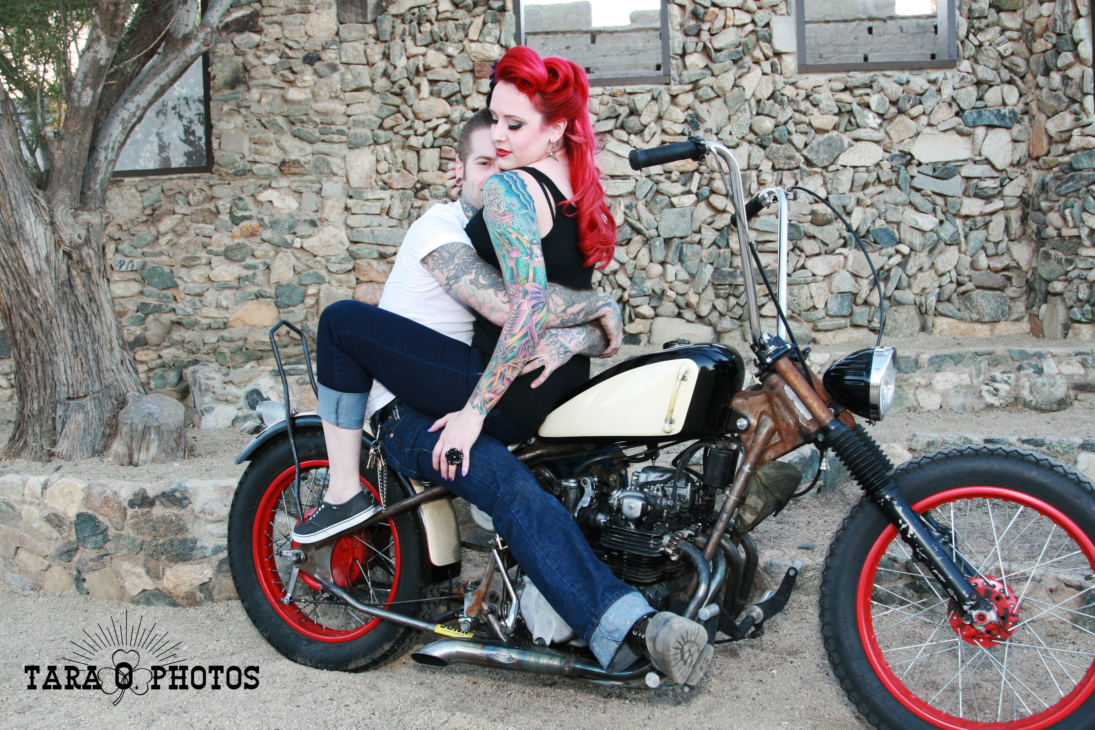 engagement retro tattoo pin up motorcycle photo shoot idea love the colors photo shoot ideas. Black Bedroom Furniture Sets. Home Design Ideas