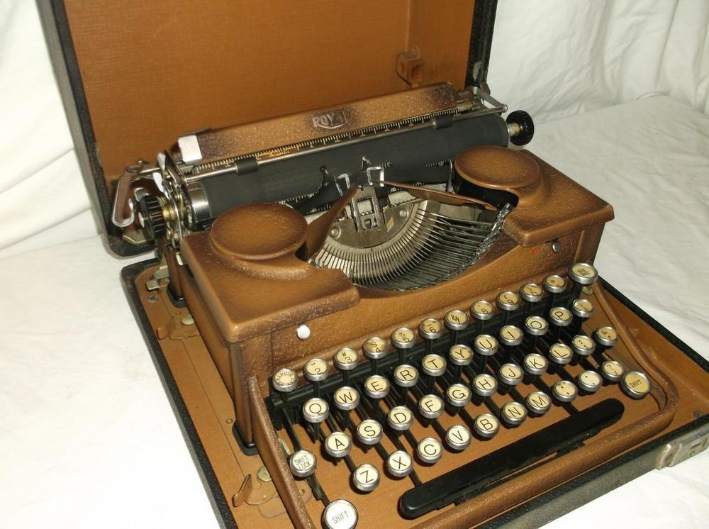 Vintage Royal Portable Typewriter Part - 21: Vintage Royal Portable Typewriter 2 Tone Paint Antique Great Working  Condition