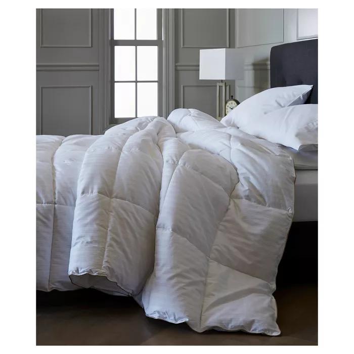 Warmest Down Comforter Fieldcrest In 2020 Down Comforter