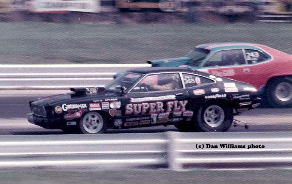 Tries To Pry Secrets Out Of Bob Glidden Bob Glidden Drag Racing Cars Ford Racing