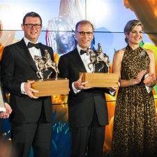 AMSTERDAM - Koningin Máxima heeft dinsdagavond de Koning Willem I Prijs 2014 uitgereikt. In de categorie Groot Bedrijf ging de prijs naar Koninklijke FrieslandCampina M.V. De award in de categorie MKB werd gewonnen door KOTUG International B.V.
