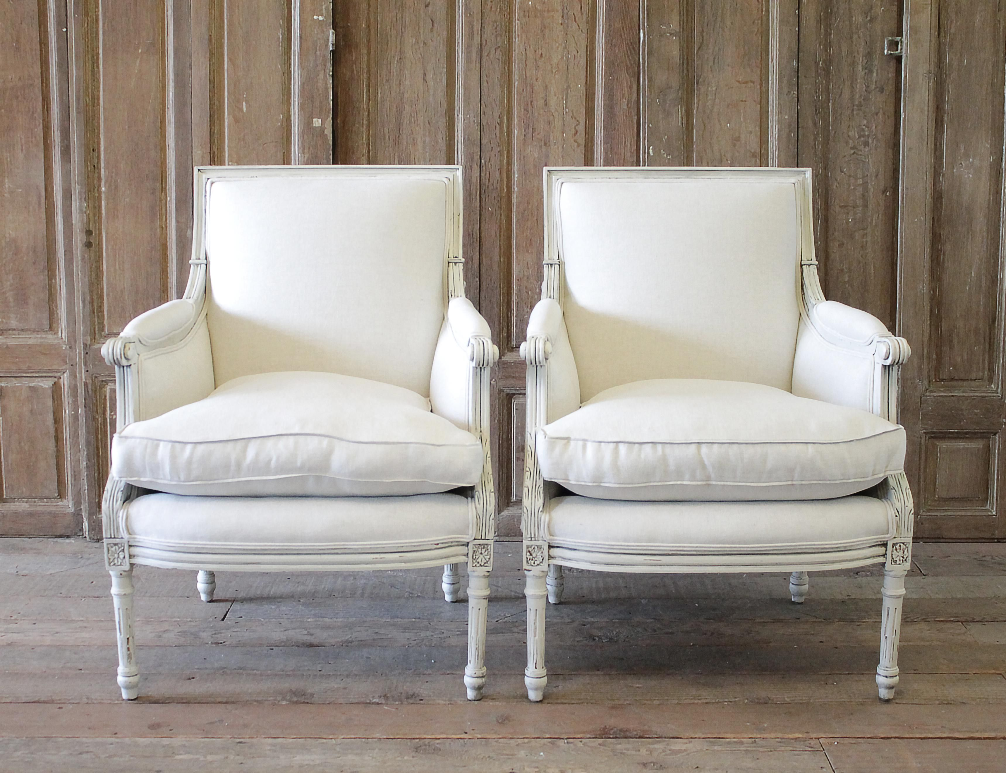 20th Century Louis XVI Style Painted with Natural Linen