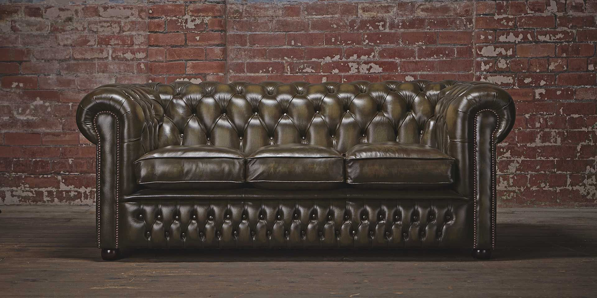 The Classic | Chesterfield sofa, Chesterfield, Chesterfield ...