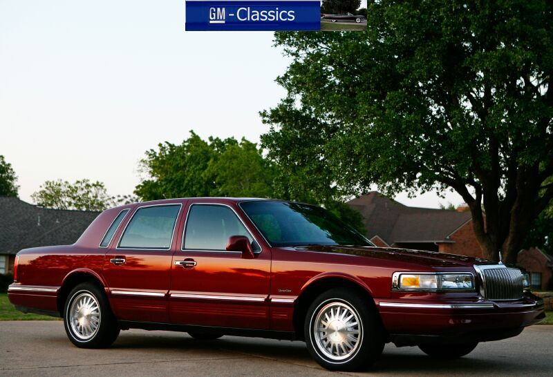 1997 Lincoln Continental Town Car Signature Series Edition