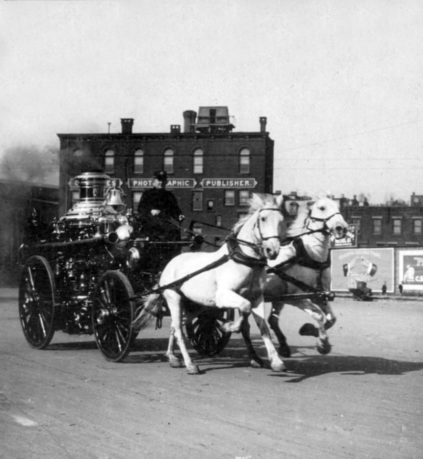 Philadelphia Fire Department Engine - c 1905