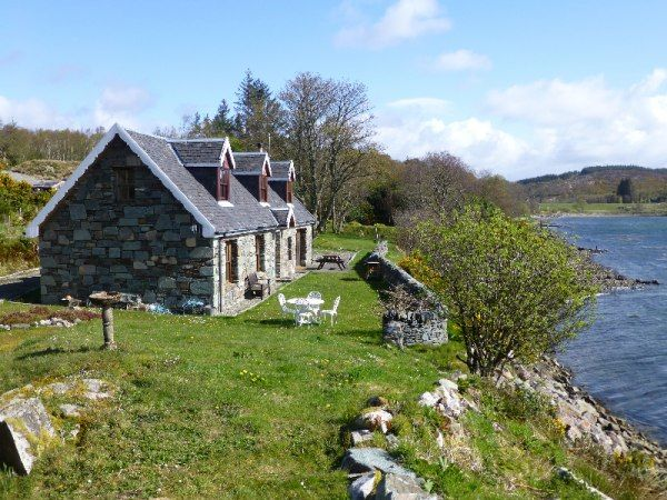 Beautiful Cottage For Holidays: Pier Cottage, Holiday Cottage In