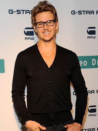 Ryan Kwanten The Guy Is Hot Like Fyah But He Is A Really Good Actor As Well Quite Fluid With His Accents
